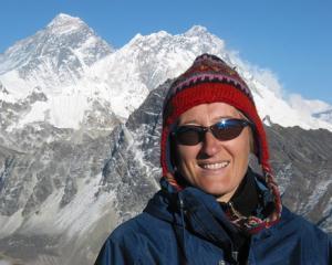 Everest, Chomolungma: Drumul liderilor spre Zeita-mama