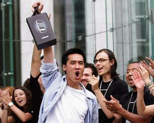 Scad vanzarile internationale de iPhone