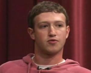 Un american la Paris: Zuckerberg s-a intalnit cu Sarkozy