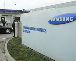 SAMSUNG ar putea muta doua fabrici din Slovacia in Romania