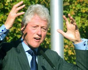Bill Clinton: SUA este deja in recesiune