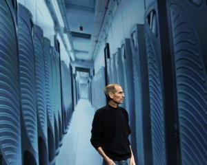 Steve Jobs, seful Apple, a DEMISIONAT!