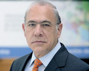 OCDE: Economia mondiala nu se afla intr-o recesiune cu doua varfuri negative
