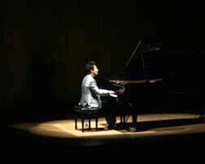 Renumitul pianist Eduard Stan, un talent care strabate muzical Israelul