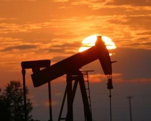 ANALIZA: Barilul de petrol ar putea ajunge la 120 dolari, pana la sfarsitul anului?