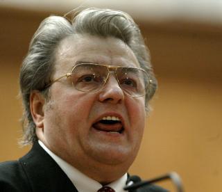 A inceput urmarirea penala impotriva lui Vadim Tudor privind evacuarea din sediul PRM