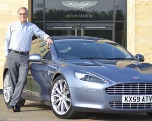 Seful Aston Martin isi vinde masina si doneaza banii Japoniei