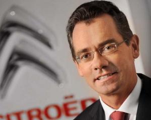 Seful PSA Peugeot Citroen, Jean-Marc Gales, a demisionat