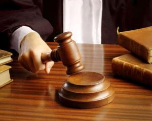 13 candidati pe loc pentru un post de magistrat