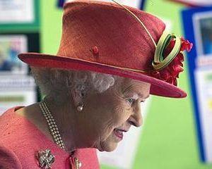 Guvernul britanic intentioneaza se taie din fondurile familiei regale