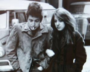 A murit Suze Rotolo, muza lui Bob Dylan