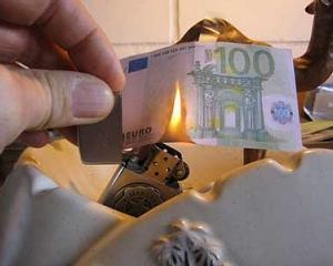 Casa de avocatura: Managerii romani iau in calcul disparitia monedei euro