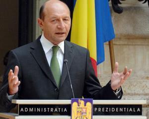 Basescu poate