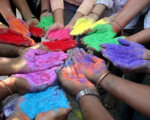 Afla ce spun despre tine culorile pe care le porti astazi