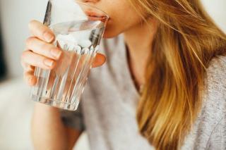 5 semne ale deshidratarii pe care nu ar trebui sa le ignori
