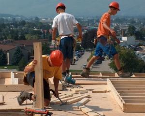 Un milion de persoane muncesc la negru in Romania
