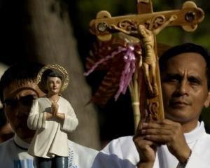 STUDIU: Crestinii, cel mai numeros grup religios din lume