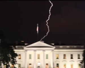 Obama ignora Pastele, iar Casa Alba este traznita de fulger. Coincidenta?