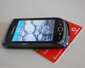 Utilizatorii BlackBerry din reteaua Vodafone pot plati aplicatiile din App World pe factura