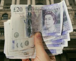 Bani de peste hotare: Romanii din Marea Britanie trimit zilnic in tara o jumatate de milion de lire sterline