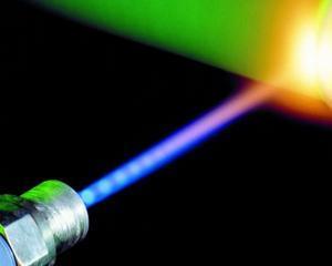 Bujiile masinilor ar putea fi inlocuite in curand cu aprinzatoare laser