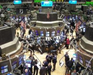 Wall Street e pe rosu, din cauza revoltelor din Egipt