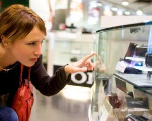 Altex, eMAG: Vanzarile de electronice vor creste cu 40% in decembrie
