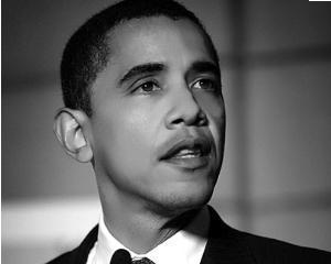 Barack Obama conduce in sondaje