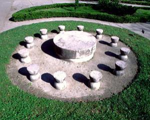 Un cerc uman pentru un titan: Constantin Brancusi