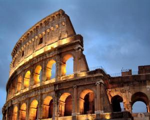 S-a dat Colosseumul
