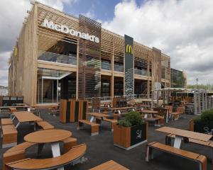 McDonald`s pregateste meniul olimpic pentru JO de la Londra