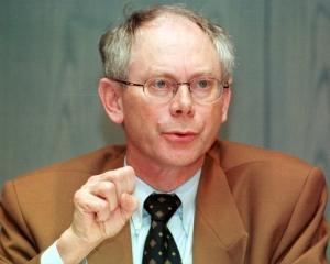 Herman van Rompuy: Romania a stabilizat economia in plina criza
