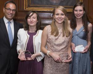 Olga Tene a castigat premiul al doilea in competitia internationala de fiscalitate, Young Tax professional of the year 2012