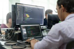 Scutire de impozite pentru cei care lucreaza in domeniul IT din februarie 2018