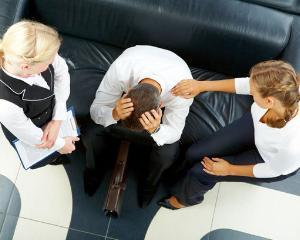 Angajatii din Romania sunt agresati psihologic la locul de munca