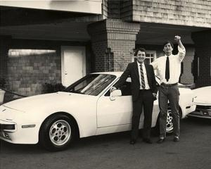 Cu un Porsche de la Steve Jobs s-a facut
