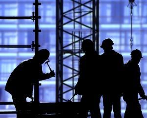 Inspectorii de munca au sesizat organele de cercetare penala pentru 1.043 de angajatori care aveau angajati la negru
