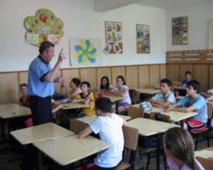 Inceputul anului scolar lanseaza politistul de scoala