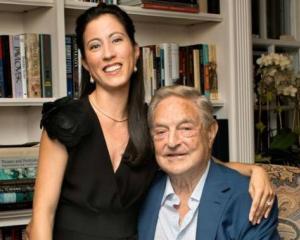 Iata-le pe sotiile magnatilor de pe Wall Street