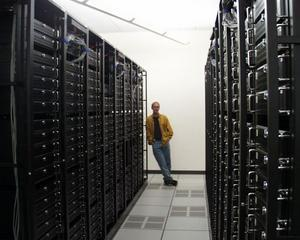 Wikimedia Foundation isi doneaza vechile servere