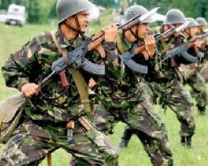 Armata Romana se pregateste pentru misiunea NATO din Afganistan. Afla ce a primit din partea Guvernului SUA