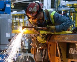 Eurostat: Romania a ocupat locul al doilea in UE la cresterea costului fortei de munca in T4 2011