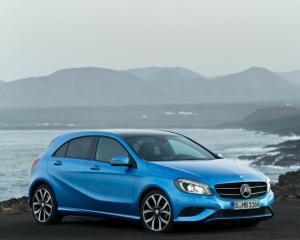 Primele imagini cu noul Mercedes Clasa A