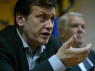 PNL nu face congres extraordinar si il imputerniceste pe Antonescu sa continue negocierile cu PSD