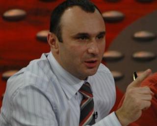 Marius Tuca, calcat de hoti