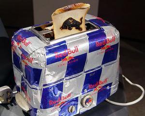 A murit inventatorul bauturii energizante Red Bull