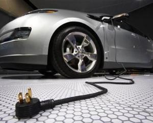SONDAJ: Masina electrica, noua vedeta a industriei auto