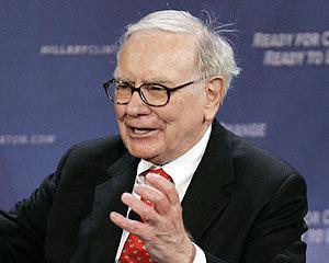 Warren Buffett isi vede profitul afectat de dezastre naturale