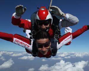 Pasionat de parasutism? Se apropie Bucharest Skydiving Boogie - editia a III-a