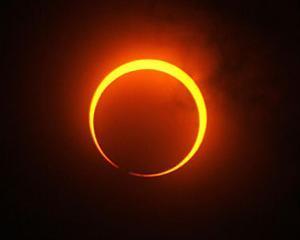Cea mai lunga eclipsa de Luna din ultimii 11 ani incepe miercuri, la ora 20:24